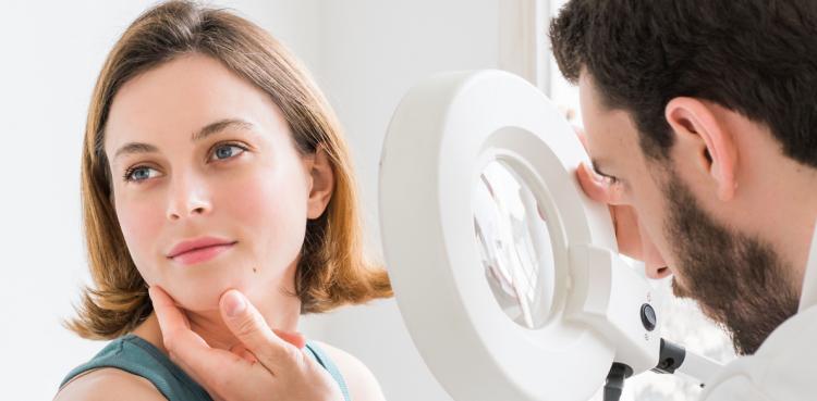Консультация дерматолога перед лазерной эпиляцие