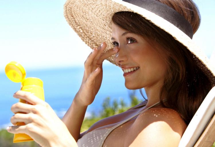 Применение солнцезащитного крема перед эпиляцией