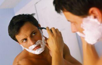 Раздражение на лице у мужчин