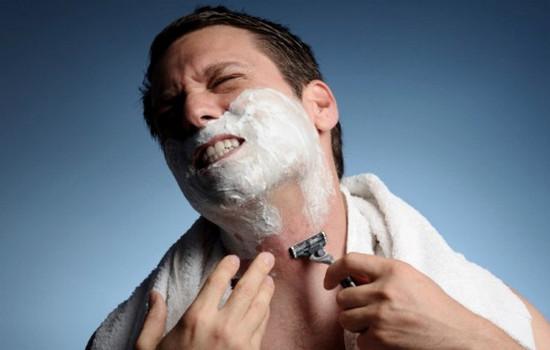 При бритье порезался 31