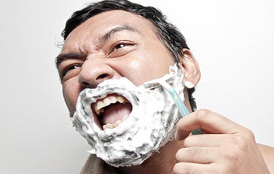 При бритье порезался 33